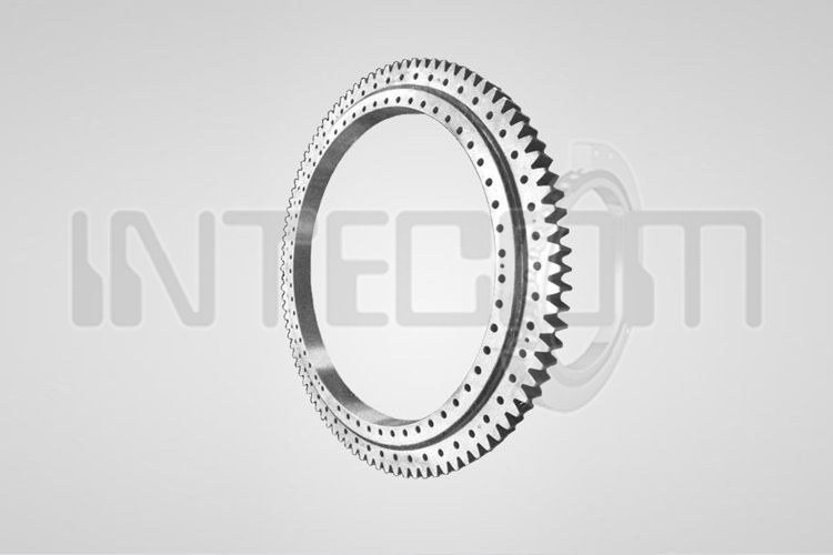 Double row slewing bearings with internal toothing